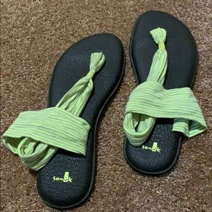 Sanuk sandals yoga mat lime green